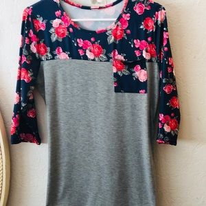 WISH -Womens 3/4 Sleeve Floral Top